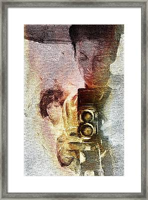 Selfportraiting Framed Print by Andrea Barbieri