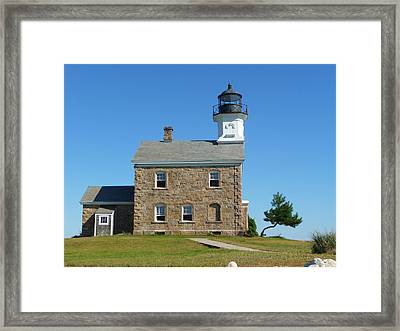 Framed Print featuring the photograph Sheffield Lighthouse by Margie Avellino