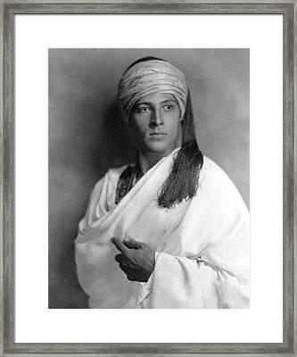 Sheik, Rudolph Valentino, 1921, Portrait Framed Print by Everett