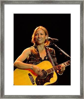 Sheryl Crow Framed Print by Bob Guthridge