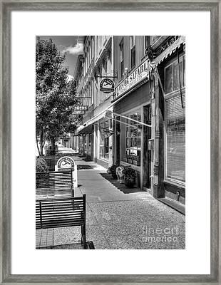 Sidewalk Scenes Bw Framed Print by Mel Steinhauer