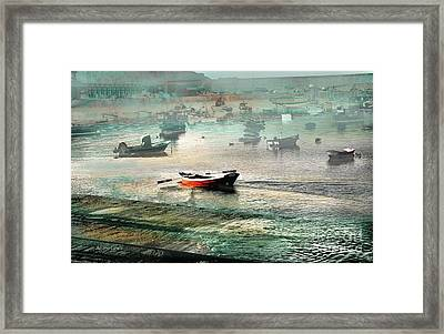 Sin Rumbo Framed Print by Alfonso Garcia