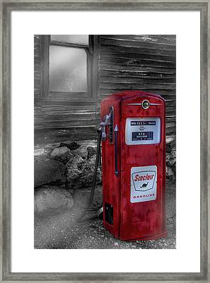 Framed Print featuring the photograph Sinclair Gas Pump Sc by Susan Candelario