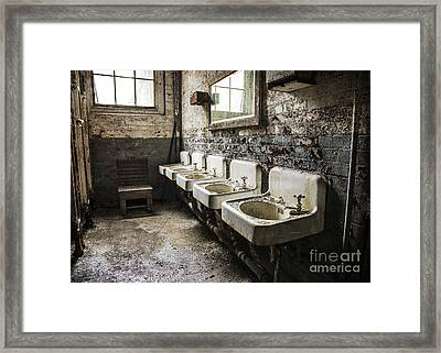 Sinkline Framed Print by Terry Rowe