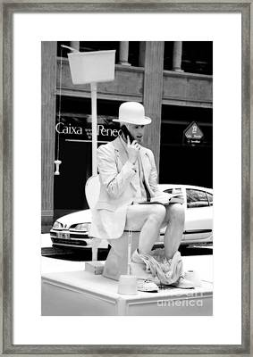 Sittin' On The John Framed Print by Sue Melvin