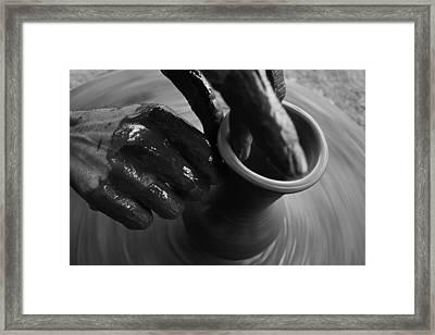 Skc 3469 The Art Of Pot Making Framed Print by Sunil Kapadia