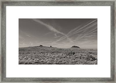 Sky Trails Framed Print by Gordon Beck