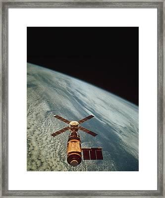 Skylab 1 Space Station In Orbit. Framed Print by Nasa
