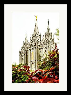 Angel Moroni Framed Prints