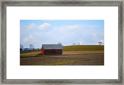 Small Pennsylvania Barn Framed Print by Patricia Motley