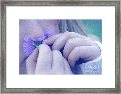Smell Life - V06t2 Framed Print