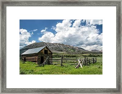Snider Basin Barn Framed Print by Sam Sherman