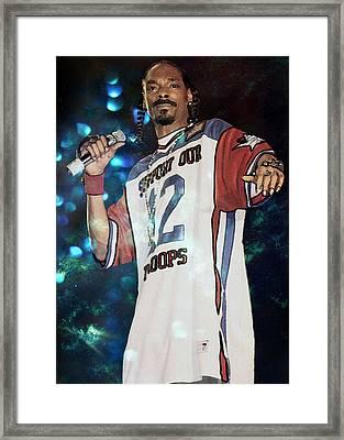 Snoop Dogg Framed Print by Ericamaxine Price