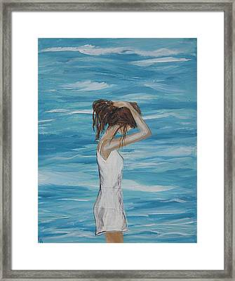 Sound Of Solitude Framed Print by Leslie Allen
