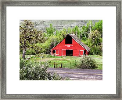 South Fork Homestead Barn Framed Print by Ron Day