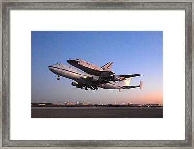 Space Shuttle Discovery Departs Edwards Afb September 20 2009 Framed Print by Brian Lockett
