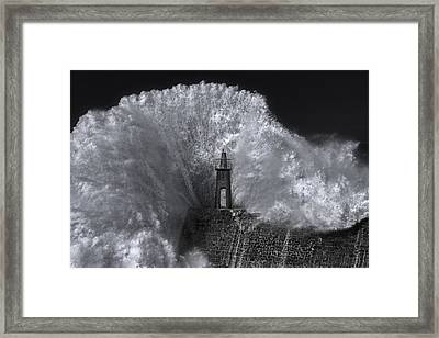 Splash Framed Print by ?stur Hugo Montes