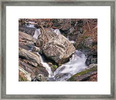 Framed Print featuring the photograph Split by Alan Raasch