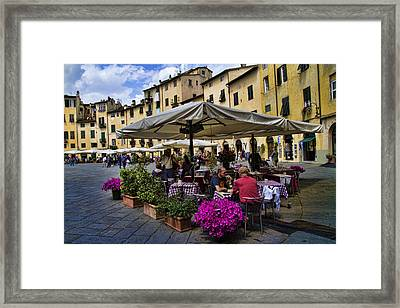 Square Amphitheater In Lucca Italy Framed Print by David Smith