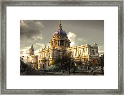 St Paul's Cathedral Framed Print by Rob Hawkins