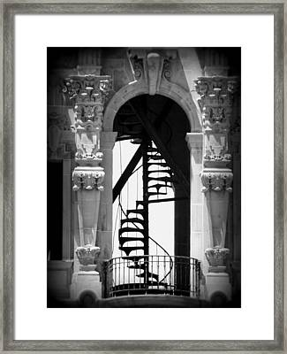 Stairway To Heaven Bw Framed Print