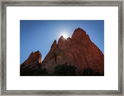 Standstone Sunburst - Garden Of The Gods Colorado Framed Print