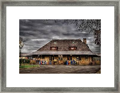 Station - Westfield Nj - The Train Station Framed Print by Mike Savad