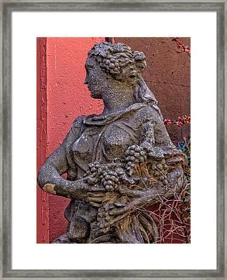Statue Lower Manhattan Framed Print by Robert Ullmann