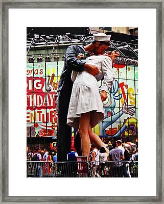 Statue Of Famous Photograph Framed Print by Allan Einhorn