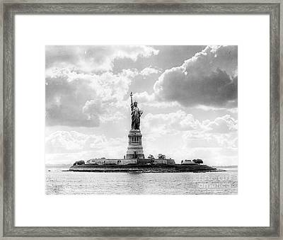 Statue Of Liberty, 1905 Framed Print