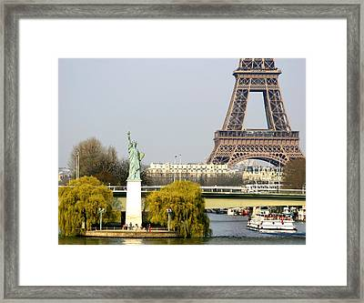 Statue Of Liberty Framed Print by Hans Jankowski