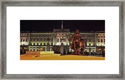 Framed Print featuring the photograph Statues View Of Buckingham Palace by Terri Waters