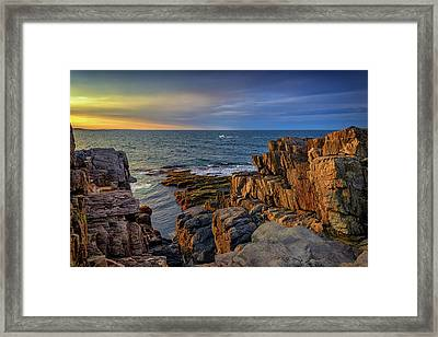 Framed Print featuring the photograph Steaming Past The Giant's Stairs by Rick Berk
