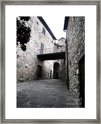 Stone Building In Radda Framed Print by Linda Ryan