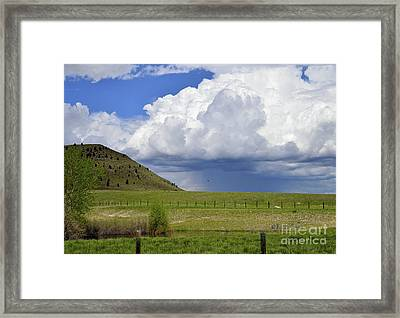 Storm Coming In Framed Print