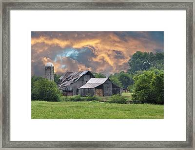 Storm's Coming I Framed Print by Jan Amiss Photography