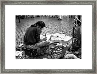 Street Artist In Roma Framed Print by John Rizzuto