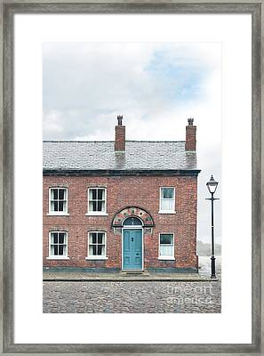 Street Of Working Class Terraced Houses Framed Print by Lee Avison