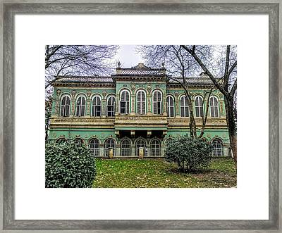 Sultan's Retreat Framed Print