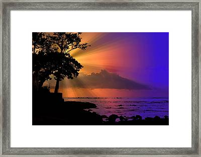 Framed Print featuring the photograph Sun Rays Sunset by Lori Seaman