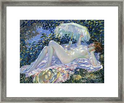Sunbathing Framed Print by Frederick Carl Frieseke