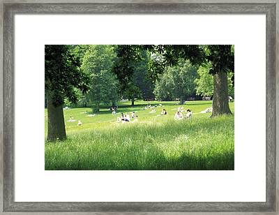 Framed Print featuring the photograph Sunday Afternoon At Waterlow Park by Helga Novelli