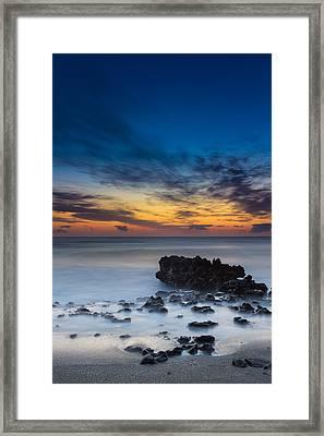 Sunrise At Coral Cove Park In Jupiter Vertical Framed Print
