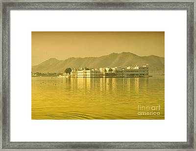 Framed Print featuring the photograph Sunrise At Pichola Lake Palace by Yew Kwang