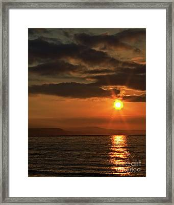 Framed Print featuring the photograph Sunrise In Portland by Baggieoldboy