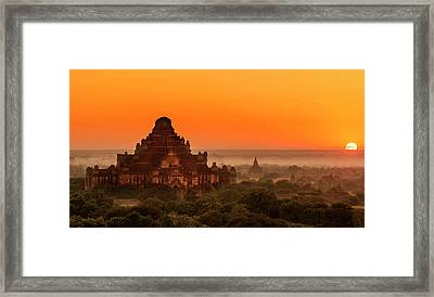 Framed Print featuring the photograph Sunrise View Of Dhammayangyi Temple by Pradeep Raja Prints