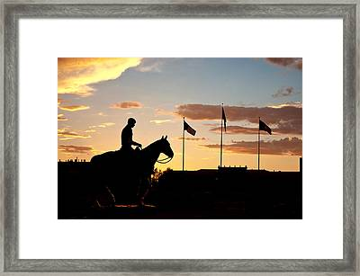 Sunset Behind Will Rogers And Soapsuds Statue At Texas Tech University In Lubbock Framed Print