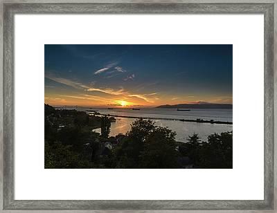 Sunset Over The Columbia River Framed Print by Joe Hudspeth