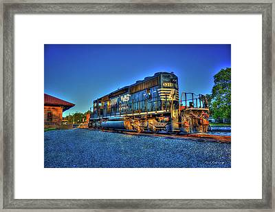 Sunset Pose Norfork Southern Locomotive 3318  Framed Print by Reid Callaway