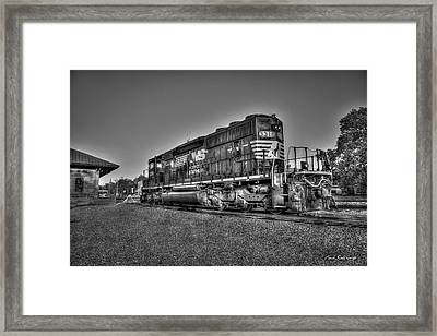 Sunset Posed Norfork Southern Railway Locomotive 3318 Framed Print by Reid Callaway